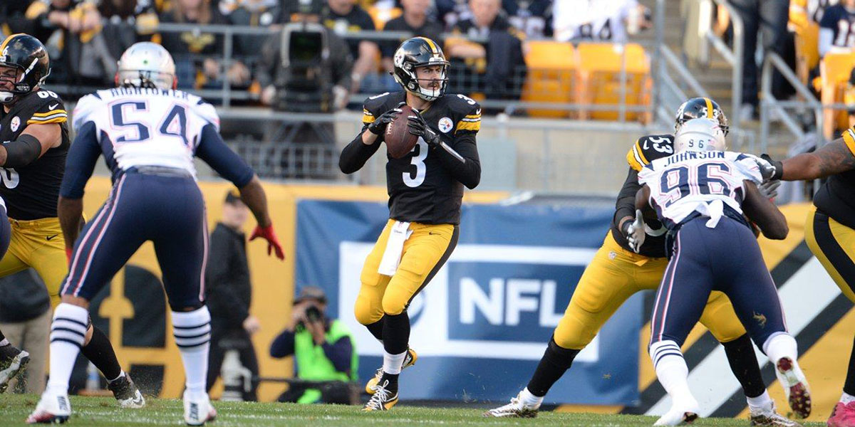 Steelers backup QB Landry Jones warms up against Patriots