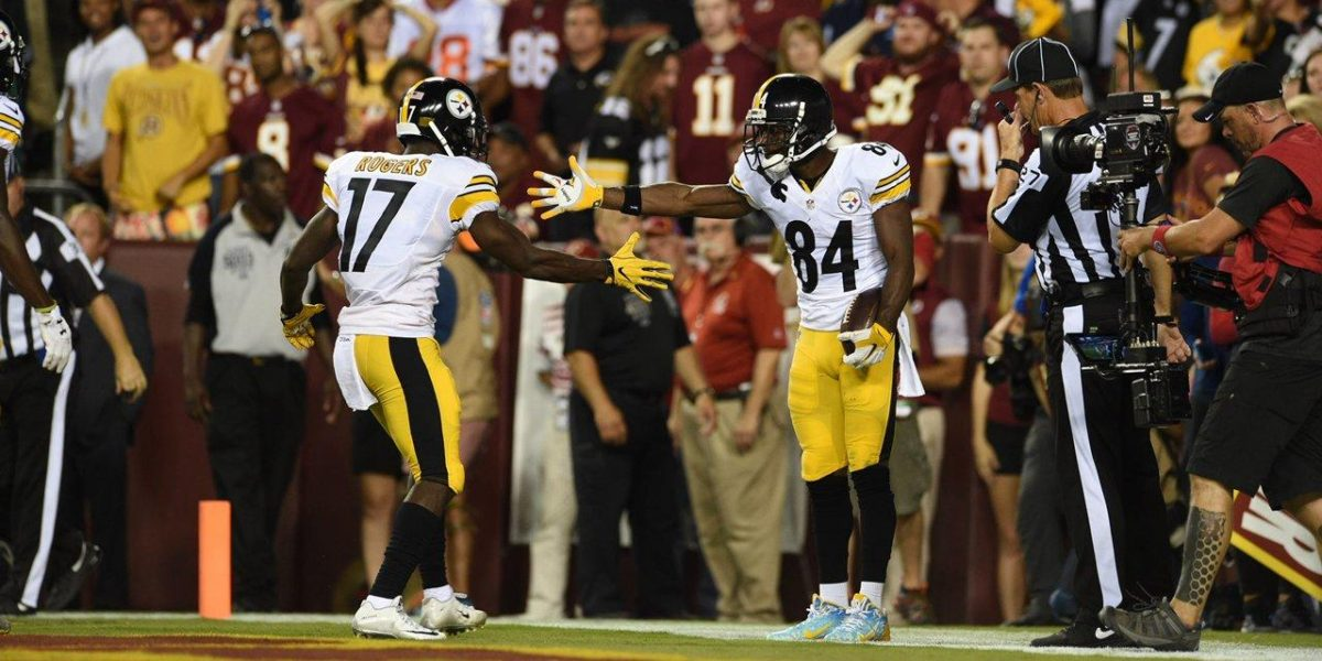 Steelers WRs Antonio Brown and Eli Rogers celebrate following a touchdown
