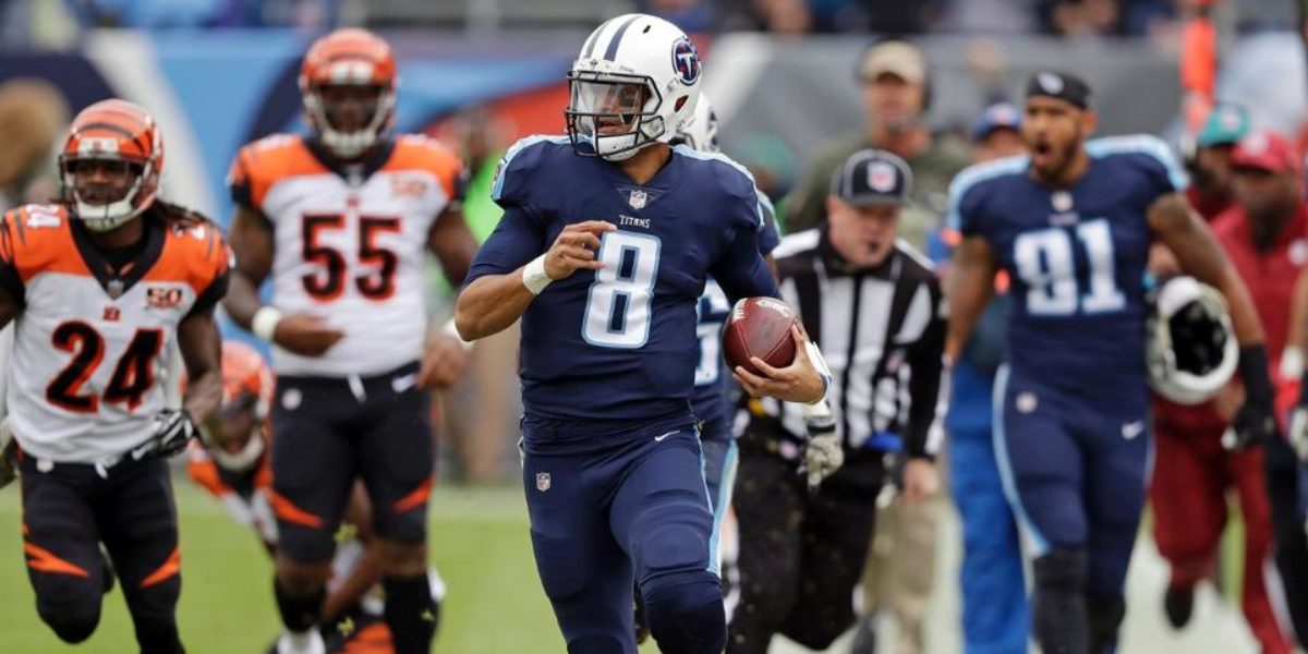 Quarterback Marcus Mariota runs against the Cincinnati Bengals