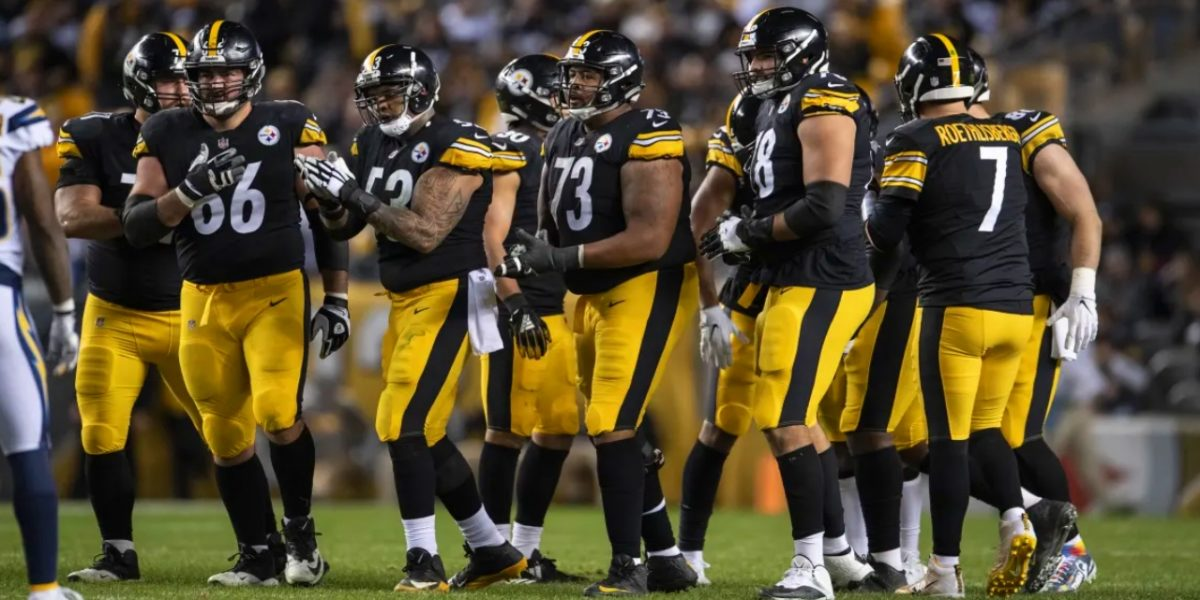 The Pittsburgh Steelers offensive line prepares for the snap against the Los Angeles Chargers at Heinz Field (Dec. 02, 2018 - Karl Roser/Pittsburgh Steelers)