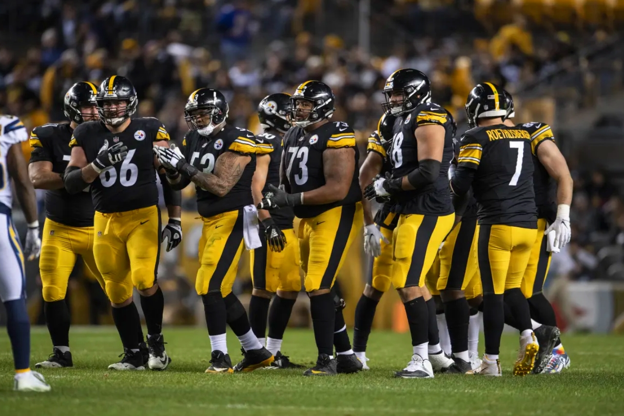 Offensive_line_steelers_vs_chargers_12022018