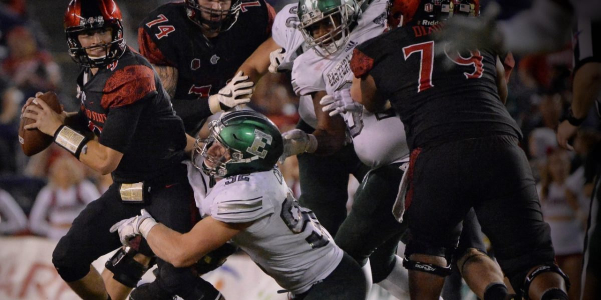 Eastern Michigan outside linebacker Maxx Crosby makes a critical tackle