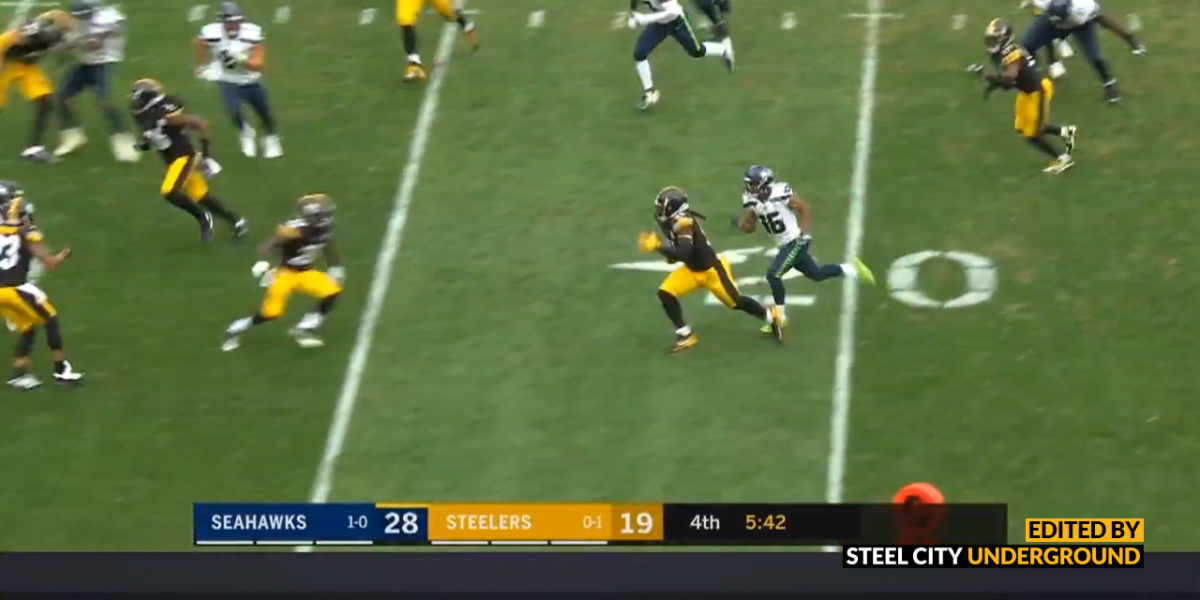 Steelers LB Devin Bush recovers a fumble against the Seattle Seahawks