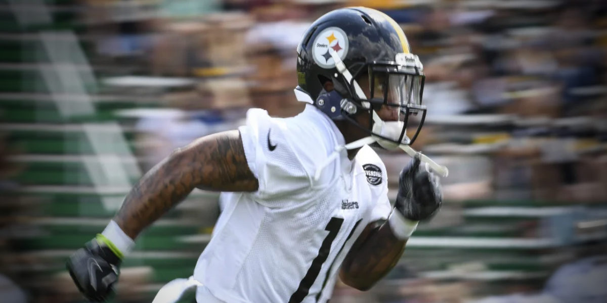 Receiver Quadree Henderson works out with the Pittsburgh Steelers at their 2018 NFL training camp