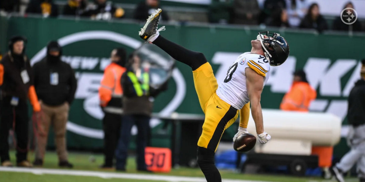 Pittsburgh Steelers linebacker T.J. Watt reacts after getting a strip-sack against the New York Jets and recovering the fumble in Week 16 of the 2019-20 NFL regular season