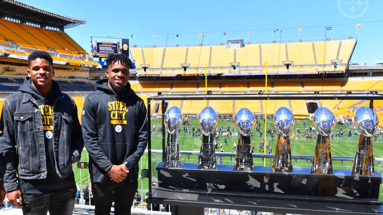 Devin Bush and Diontae Johnson visit Heinz Field after being selected in the 2019 NFL Draft by the Pittsburgh Steelers (photo: steelers.com)