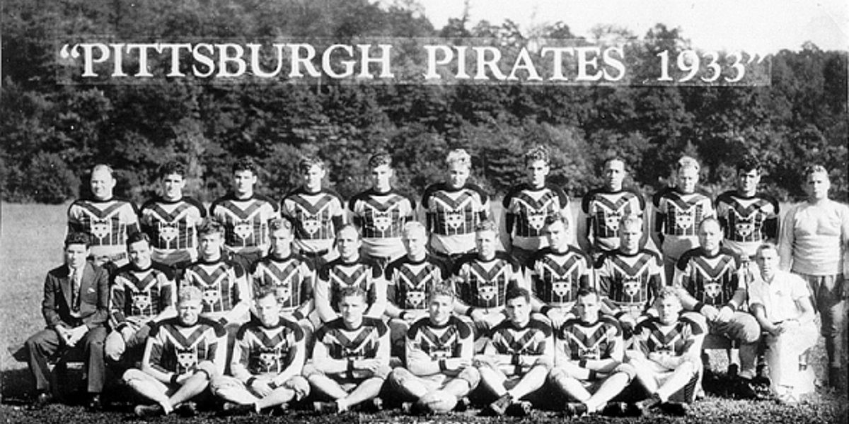 The inaugural Pittsburgh Pirates football team that later became the Pittsburgh Steelers under Art Rooney (photo: Steelers archives)