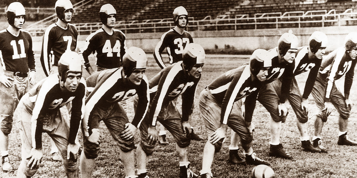 The starters for the 1943 Pittsburgh-Philadelphia Steagles professional football team (Philadelphia Eagles, Pittsburgh Steelers)
