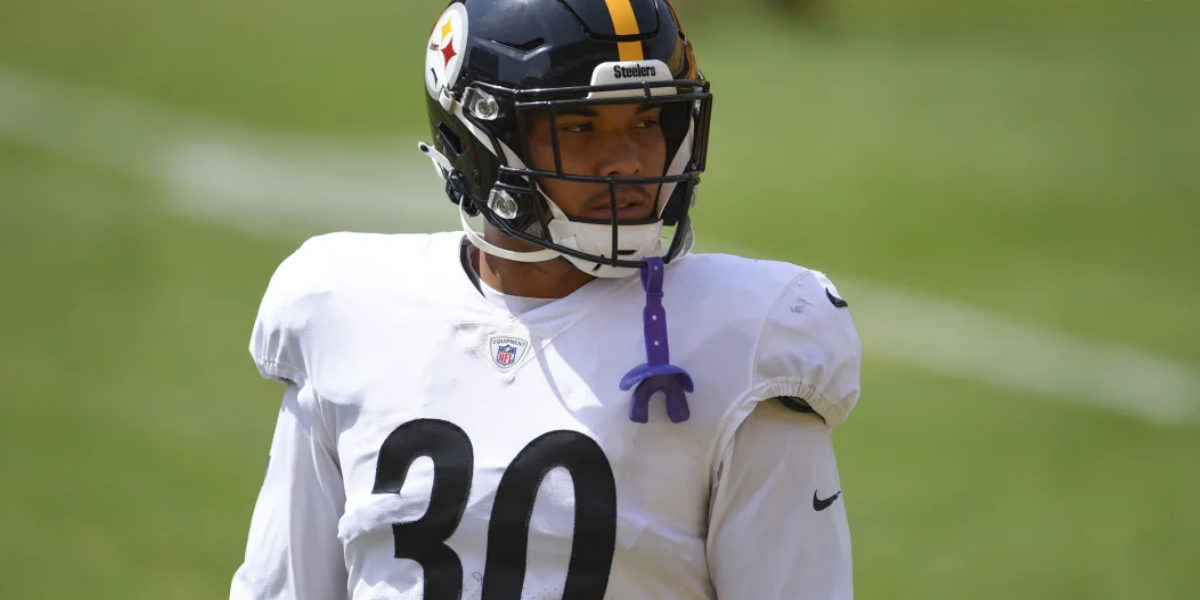 Pittsburgh Steelers running back James Conner prepares for the 2020 season at training camp
