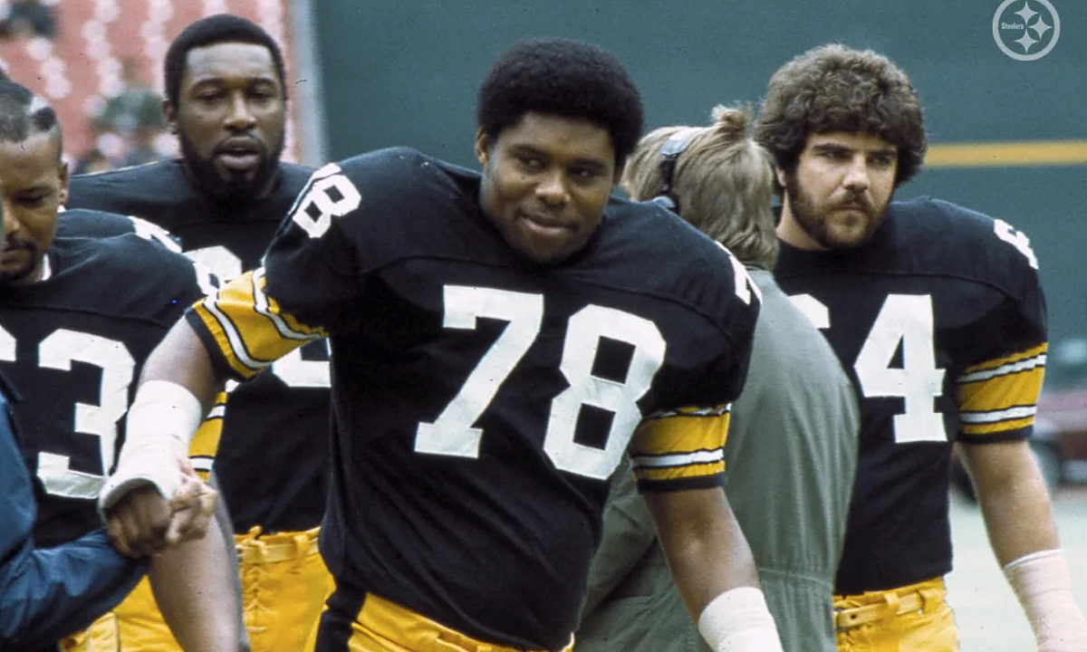 Dwight White (No. 78) of the Pittsburgh Steelers